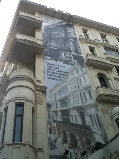 "Demirören Mall: before and after images: ""Deveaux Apartments 1890, before the fire"" and ""Demirören Istiklal 2011: Deveaux lives on with all its glory."" Photo by Paul Benjamin Osterlund."