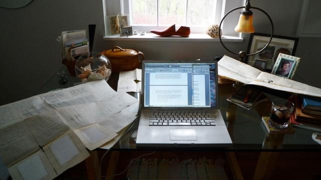 Kathleen's desk_Maria Elena's letter_sm